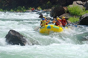 Zephyr Whitewater :: Since 1973, Zephyr Whitewater has been providing whitewater adventure on the Merced, Kings, and Tuolumne rivers near Yosemite, Our trips range from 1/2 to 3-days in length.
