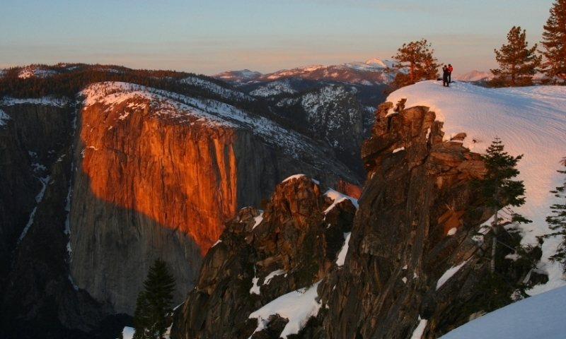 Yosemite Snowshoeing Snowshoe Rentals Amp Tours Alltrips