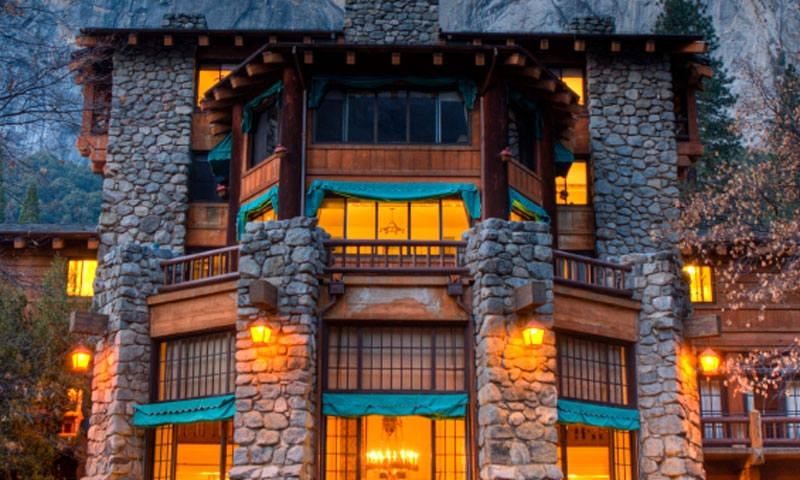 Ahwahnee Hotel in Yosemite National Park & Lodging in Yosemite National Park: Hotels Lodges Reservations ...